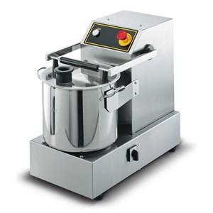 ABBINATO CUTTER/TAGLIAVERDURE PROFESSIONALE - Mod. R 101 XL - Capacità vasca in ABS lt 1,9 - Capacità coperti 20 - Potenza W 450 - Dimensioni cm L 22 x P 30 x 45h