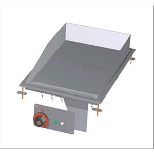 FRY TOP ELETTRICO PIASTRA LISCIA DA INCASSO - MOD. FTLD-64ET - Alimentazione trifase 400V/3N 230V/3 - Potenza kW 4,5 - Dimensioni: cm. L 40 x P 60 x H 22 - Norma CE