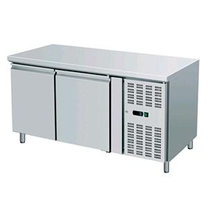 TAVOLO REFRIGERATO IN ACCIAIO INOX - PASTICCERIA - Ventilato - Mod. AK2100P - N. 2 porte - Capacità lt. 390 - Temperatura -2°/+8°C - Dim. cm L 151 x P 80 x 86 H - Norma CE