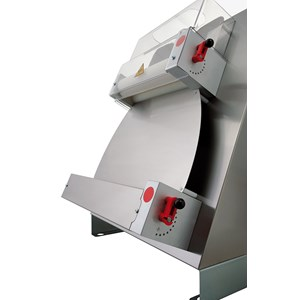 STENDIPIZZA - DILAMINATRICE - 2 COPPIE DI RULLI (rulli paralleli) - Mod. TO 42 VC - Lunghezza Rulli cm 40 - Potenza hp 0,50 - Alimentazione monofase 230 V - Norma CE